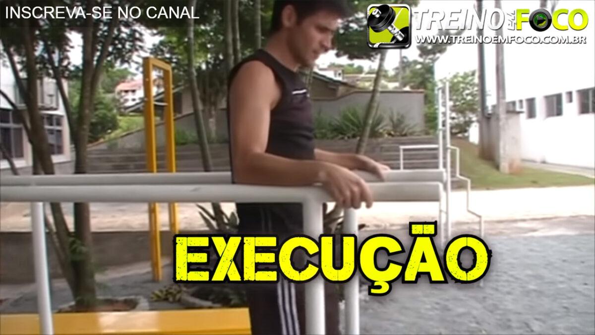 Abdominal_barra_paralela_treino_em_foco