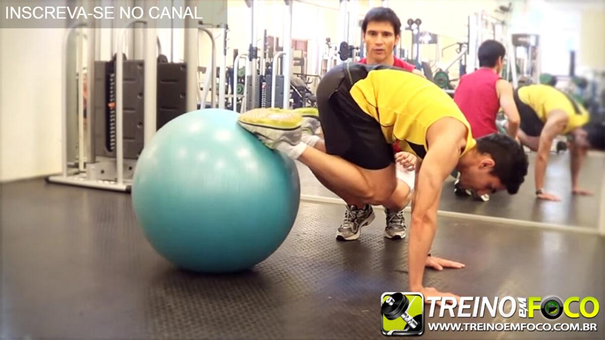 abdominal_no_fitball_treinos_abdominais_treino_em_foco