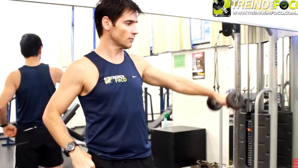 Treino_em_foco_assimetria_muscular_deltoide_trapézio