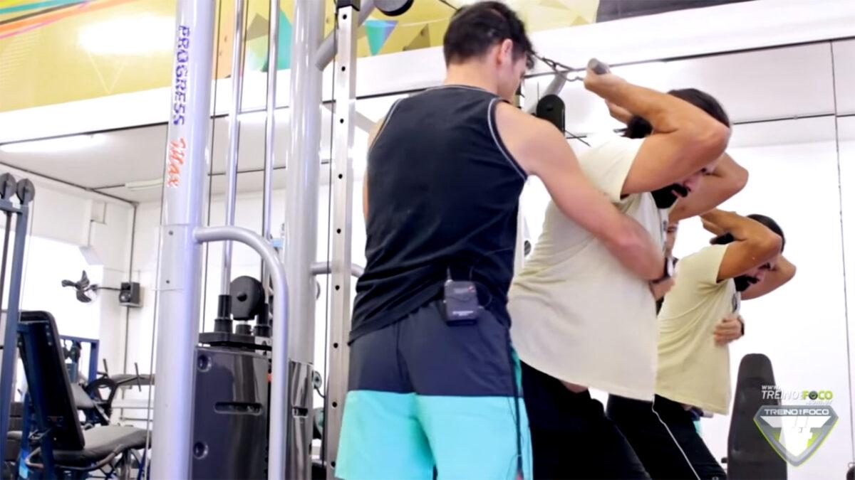 tríceps_testa_polia_variações_exercício
