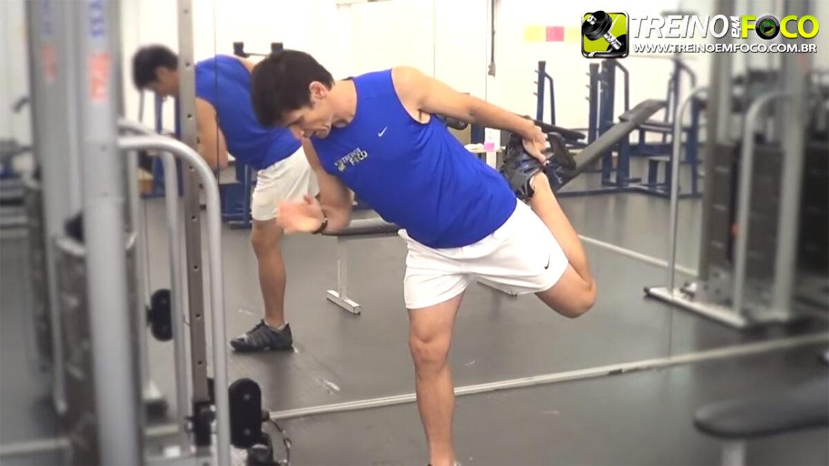 alongamento_flexionamento_treino_em_foco_quadríceps_