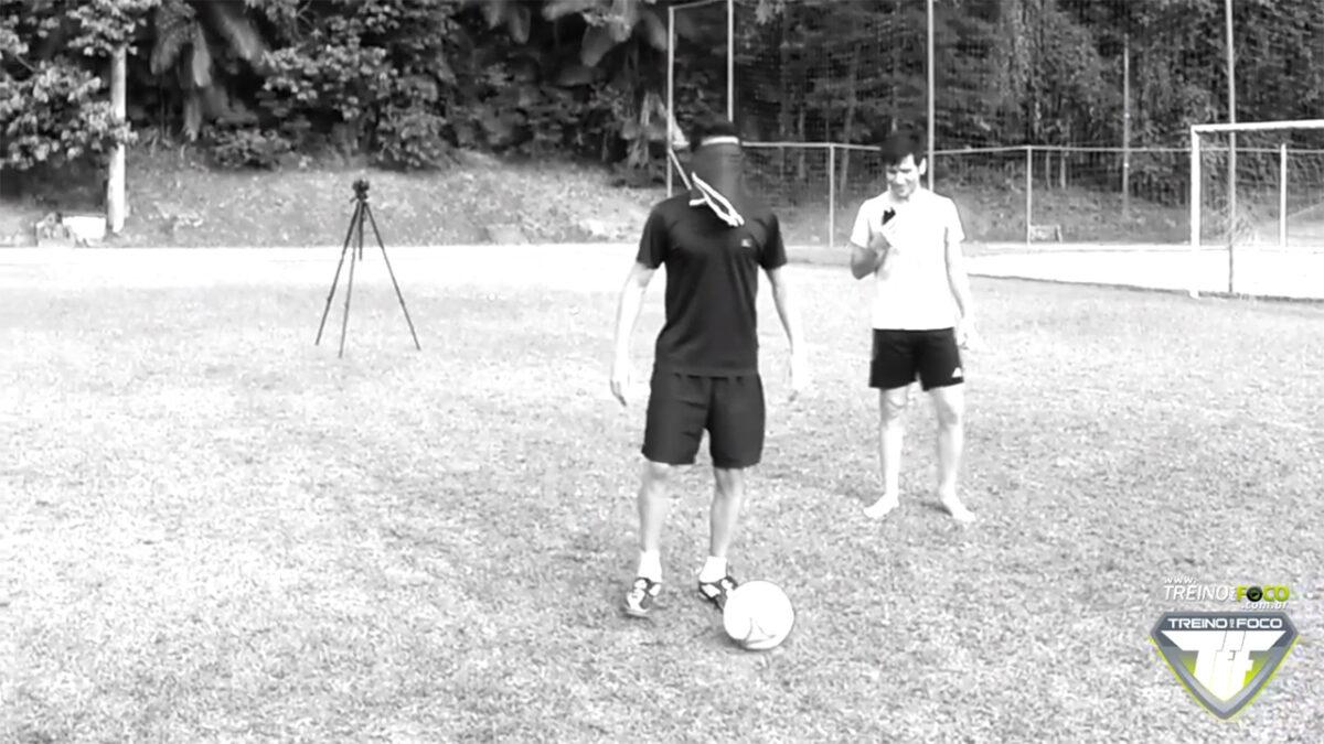 treino_em_foco_chute_cego_atividades_físicas_lúdicas_desafio