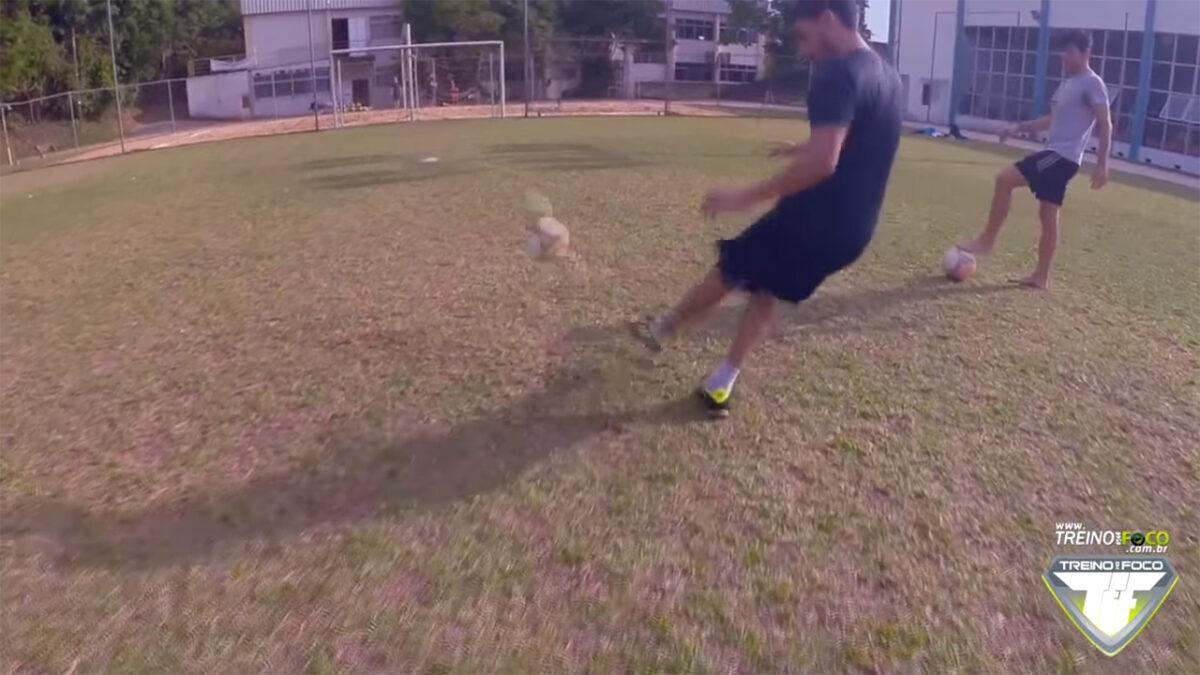 treino_em_foco_chute_no_travessão_desafio_atividade_física_lúdica