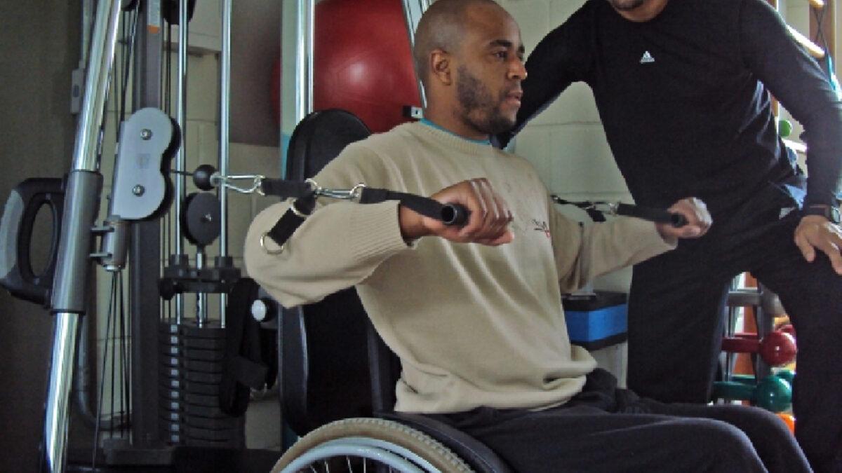 cadeirantes_treino_em_foco_treinamento_de_forca