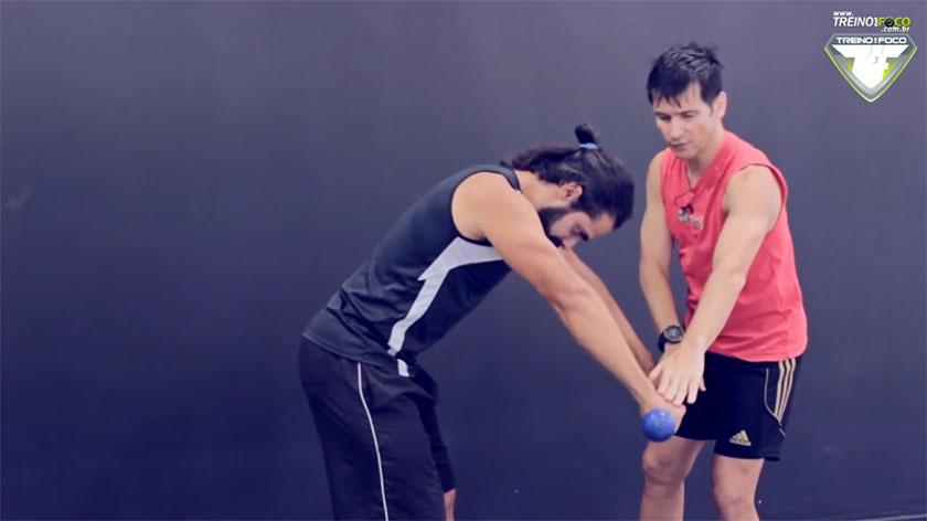 elevação_frontal_análise_muscular_treino_em_foco