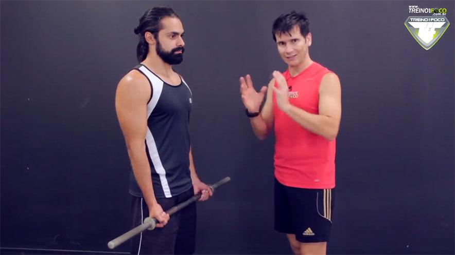 treino_em_foco_rosca_direta_com_barra_músculos_atuantes