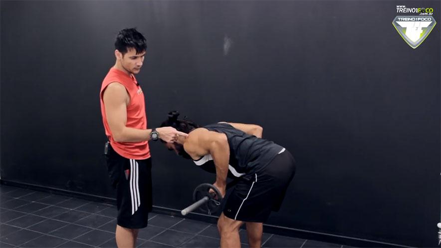 músculos_envolvidos_remada_cruvada_supinada_treino_em_foco