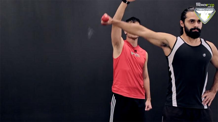 treino_em_foco_torque_elevação_lateral